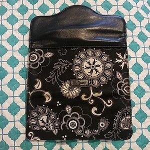 thirty-one Bags - Black and White floral wallet